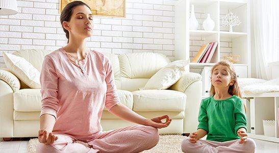 Người thường xuyên huyết áp thấp tư thế nên tham gia tập thiền